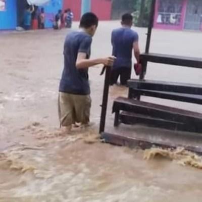 Lluvias en Tabasco y Veracruz dejan inundaciones y desbordamientos de ríos