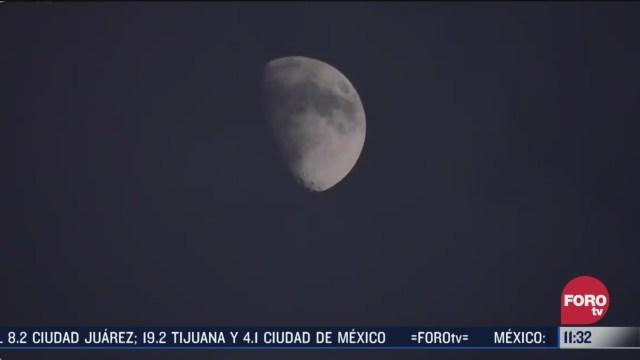 luna azul lucira en noche de halloween
