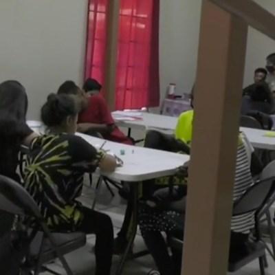 Niños migrantes retoman clases a distancia en albergues de Tijuana debido a la pandemia