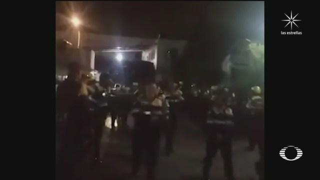 oficiales de transito reconocen a mujeres policias que resguardaron marcha feminista en cdmx