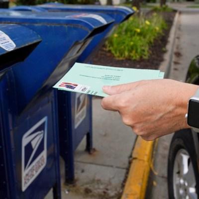 Voto por correo en EEUU da inicio; se enciende batalla entre Biden y Trump