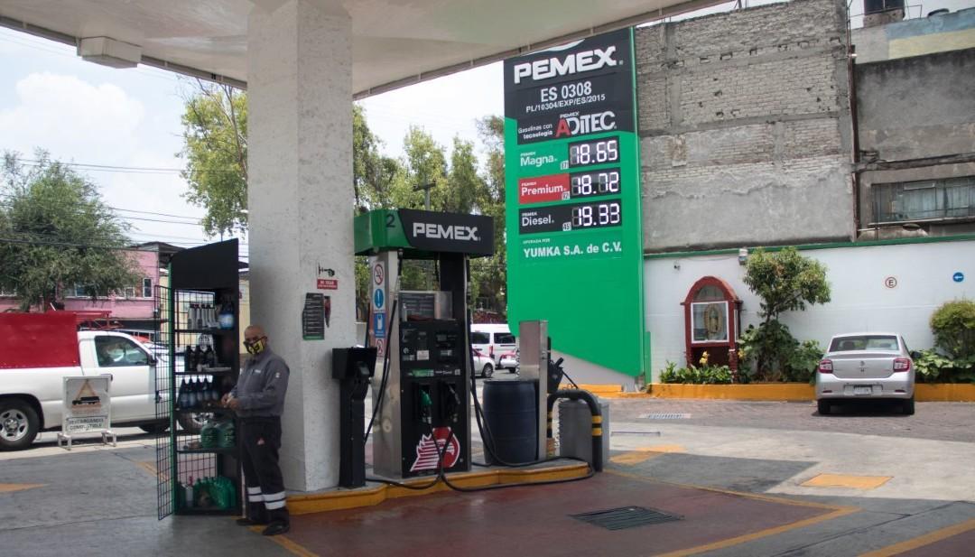 Hacienda-podría-cobrar-cuota-complementaria-para-gasolinas