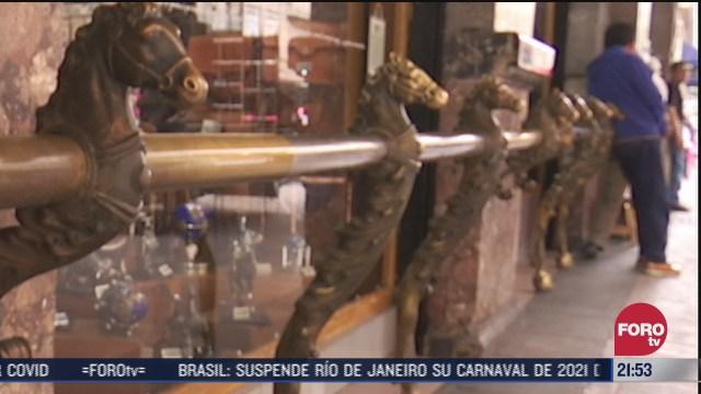 restauran caballos de bronce en la tienda la palestina