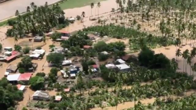 Autoridades sobrevuelan y evalúan zonas impactadas por 'Hernán' en Colima y Jalisco