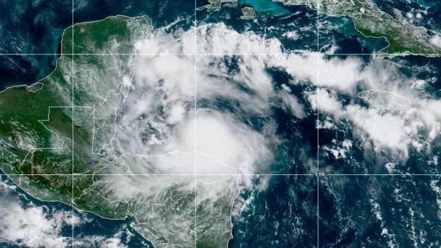 Nana-amenaza-con-convertir-en-huracán-en-costas-de-Belice