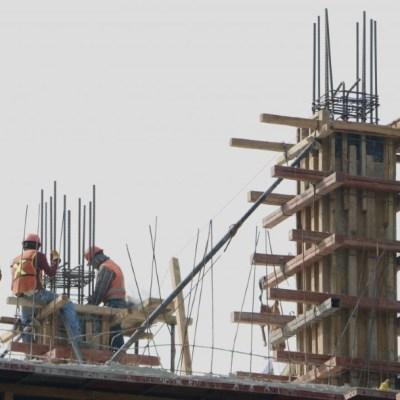 Crece productividad laboral global en México, pero cae por sectores, reporta INEGI