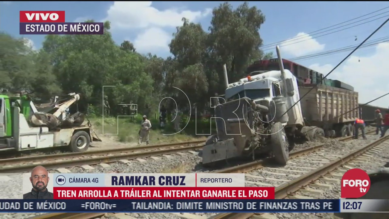 tren arrolla a trailer en el estado de mexico