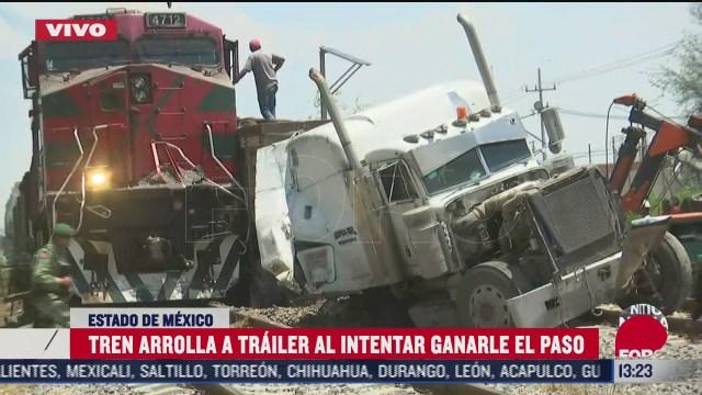 tren arrolla trailer al intentar ganarle el paso en nextlalpan estado de mexico
