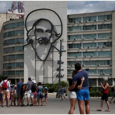 Donald Trump anuncia nuevas sanciones y prohíbe estancia de estadounidenses en hoteles de Cuba