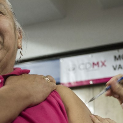 OMS pide priorizar ancianos, sanitarios y enfermos en campaña contra gripe