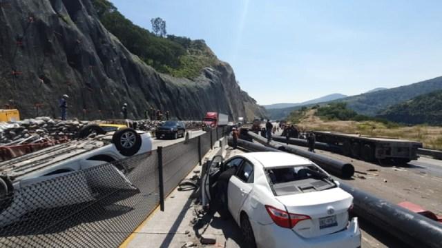 El-Mijis-sufre-accidente-en-la-México-Queretaro