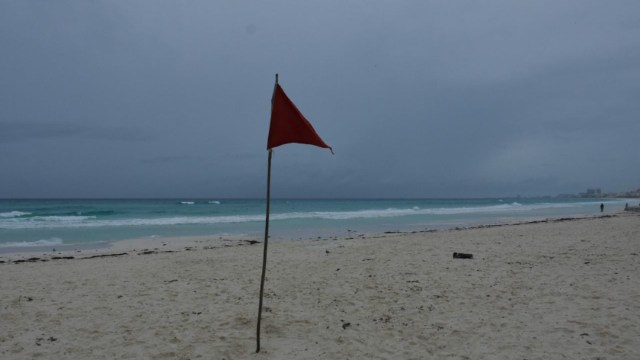 Activan alerta naranja en Quintana Roo por tormenta tropical Zeta