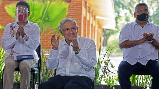AMLO-aumentarán-pensiones-para-adultos-mayores-y-becas-en-2021