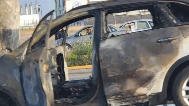 Se incendia camioneta en carretera Puebla-Atlixco; no hay heridos (Twitter)