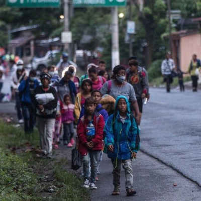 Caravana migrante busca influir en comicios de EEUU: AMLO