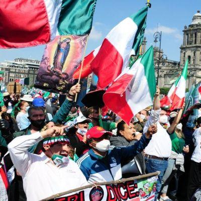 Sheinbaum pide a FRENAAA ocupar casas de campaña en el Zócalo