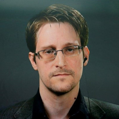 Rusia-otorga-residencia-permanente-a-Snowden