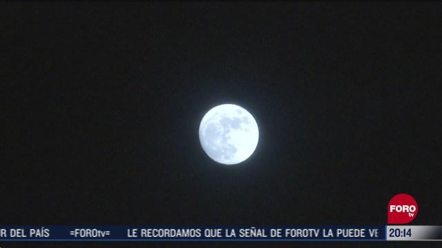 habra luna azul durante la noche de halloween