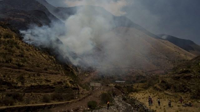 Las llamas afectaron a los distritos Cusco y San Sebastián, ambos en la provincia y departamento Cusco, y arrasaron con mil 40 hectáreas