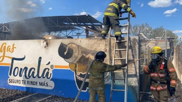 Explosión-e-incendio-en-gasera-de-Tonalá-deja-tres-lesionado