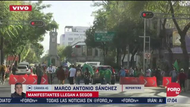 manifestantes llegan a la segob tras bloquear insurgentes y reforma