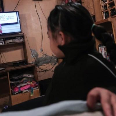Niña gana amparo contra SEP; recibirá una televisión para poder estudiar