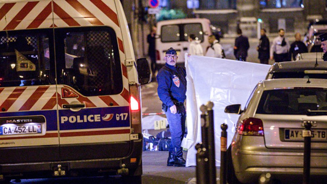 La Policía de París resguarda la zona donde se registró un homicidio