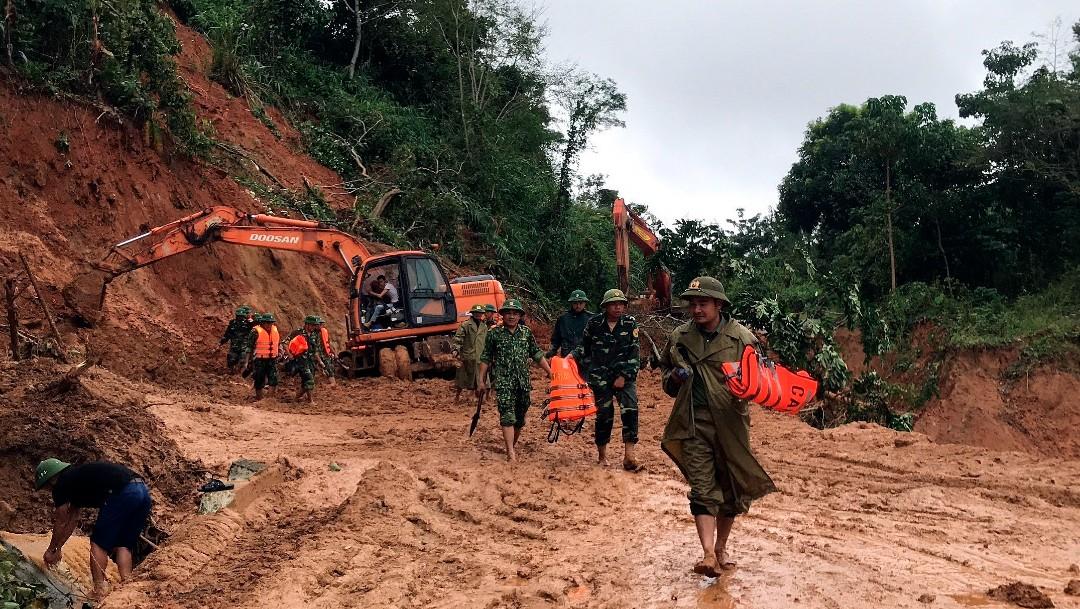 Reportan al menos 22 soldados desaparecidos tras avalancha en Vietnam