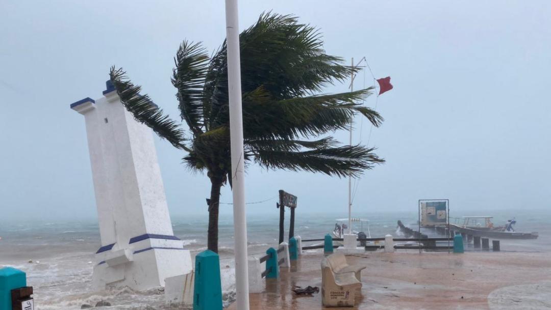 Se mantiene la zona de vigilancia por efectos de tormenta tropical desde Dzilam, Yucatán, hasta Cancún, Quintana Roo