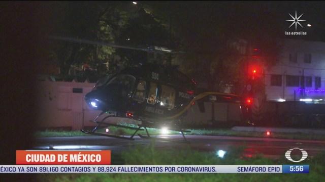 trasladan en helicoptero a motociclista herido tras accidente en cdmx