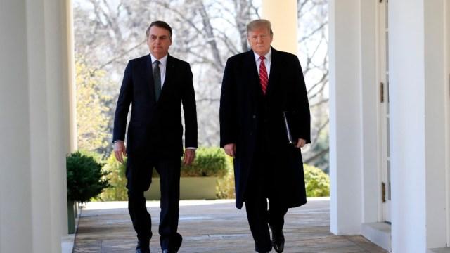 Trump se une a Johnson y Bolsonaro_ con COVID los 3 líderes más escépticos