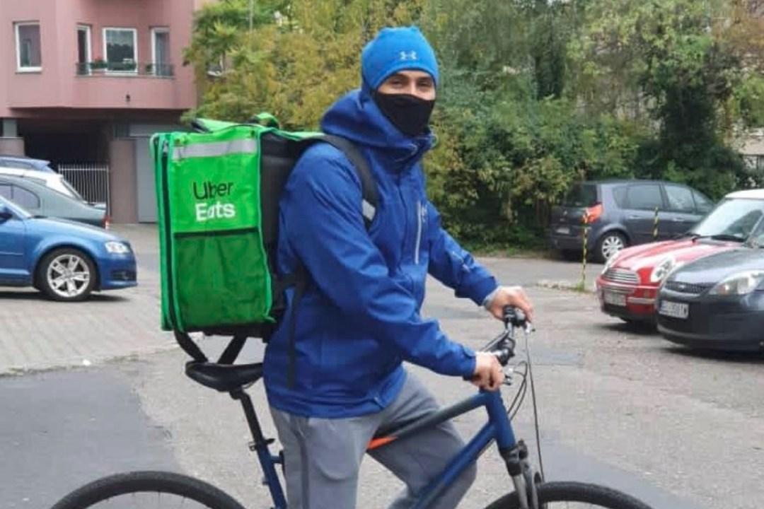 Medallista olímpico Rubén Limardo reparte comida a domicilio en Polonia