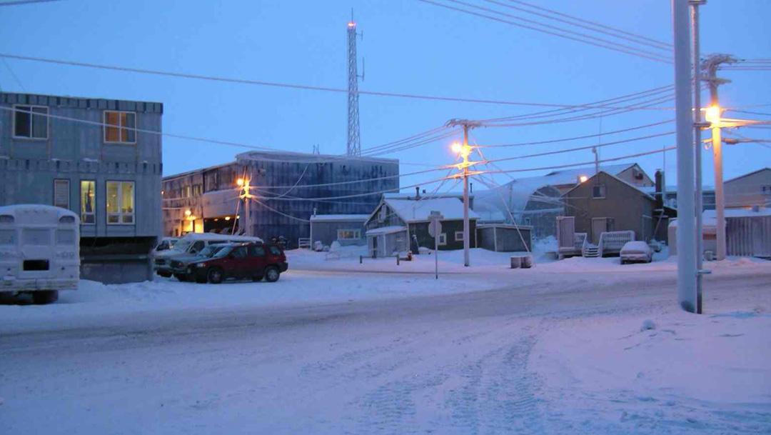 """Por el fenómeno conocido como """"noche polar astronómica"""", Utqiaġvik, Barrow una ciudad de Alaska se quedó sin sol hasta 2021"""