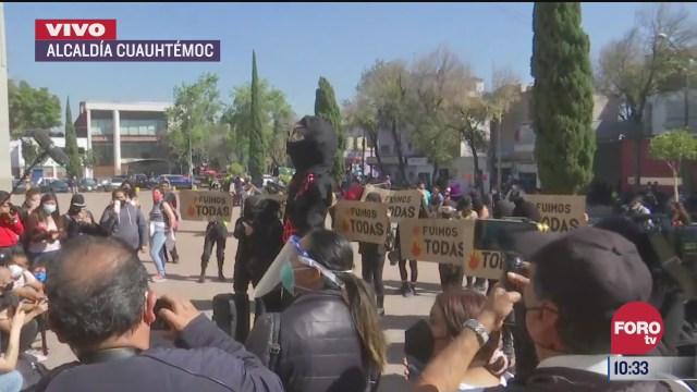 colectivos feministas acuden a la fiscalia cuauhtemoc
