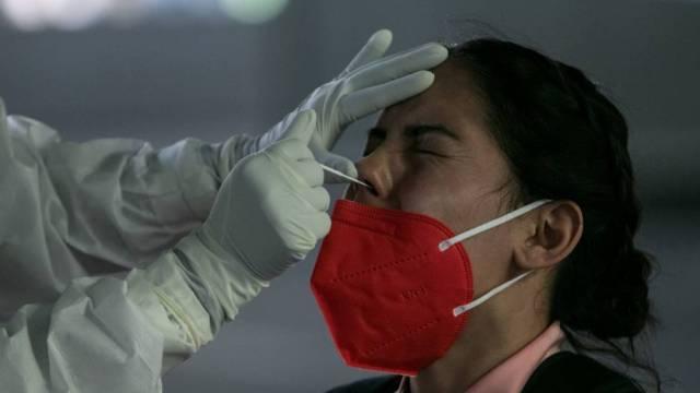 La Secretaría de Salud reportó que México llega a las 105 mil 459 muertes por COVID-19 con 1 millón 100 mil 683 casos