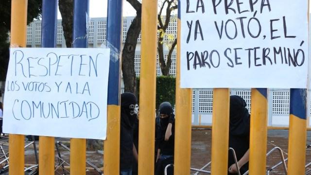 Encapuchados-toman-instalaciones-de-la-Prepa-9-de-la-UNAM