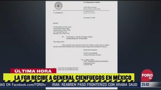 Salvador Cienfuegos llega a México, es recibido por FGR