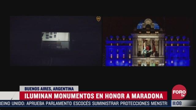 iluminan monumentos de argentina por muerte de maradona