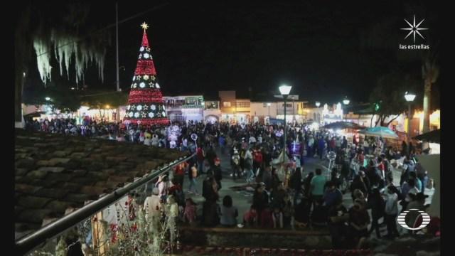 perla negra decenas asisten a encendido de villa navidena en xico veracruz
