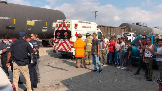 Tren embiste a vehículo en Reynosa, Tamaulipas, y deja tres lesionados