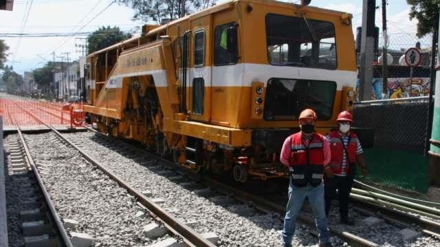 Tren Ligero lleva 83% de avance en rehabilitación, funcionarios realizaron recorrido