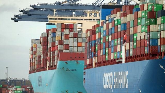 Administración de Trump negocia miniacuerdo comercial con Reino Unido