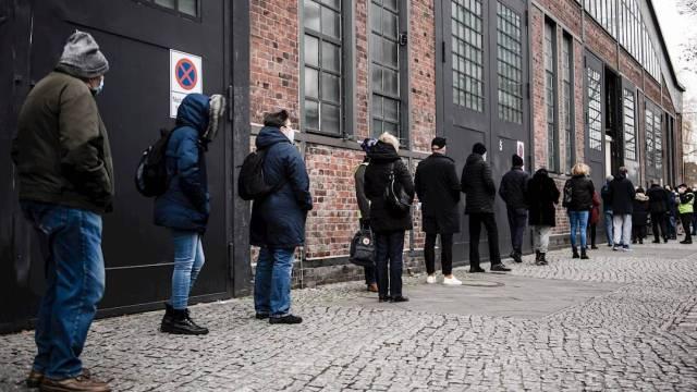 Alemania inició este domingo 27 de diciembre su campaña de vacunación contra el COVID-19