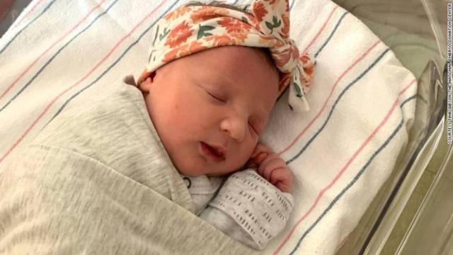 Bebé Nace Embrión 27 Años