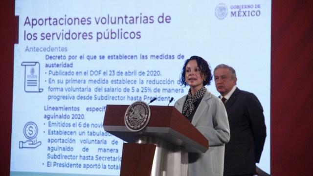 Andrés Manuel López Obrador, presidente de México, acompañado de Galia Borja Gómez, tesorera de la Federación, durante la conferencia matutina en Palacio Nacional