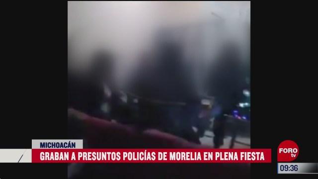 graban a presuntos policias en fiesta sin medidas covid 19 en michoacan