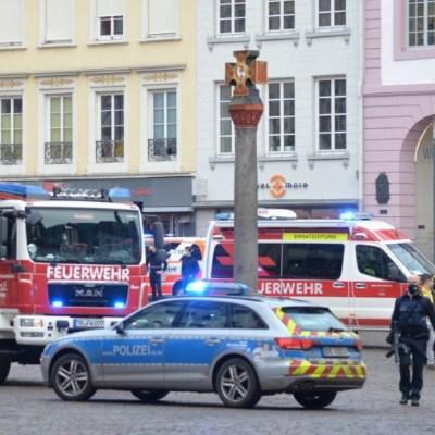 Hombre atropella a peatones en Alemania