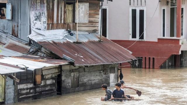 Inundaciones en Indonesia dejan cinco muertos y más de 12 mil afectados