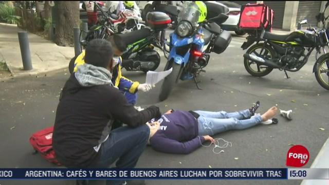 motociclista resulta lesionada por choque con camioneta en cdmx