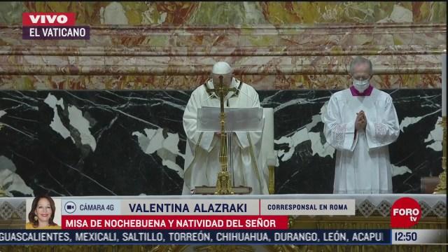 papa francisco realiza misa de nochebuena